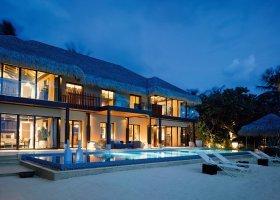 maledivy-hotel-velaa-private-island-071.jpg