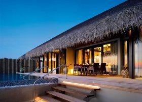maledivy-hotel-velaa-private-island-073.jpg