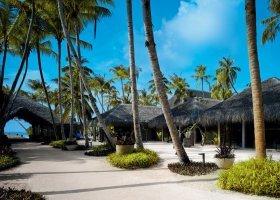 maledivy-hotel-velaa-private-island-077.jpg