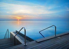 maledivy-hotel-velaa-private-island-080.jpg