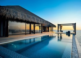 maledivy-hotel-velaa-private-island-086.jpg