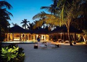 maledivy-hotel-velaa-private-island-094.jpg