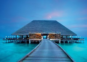 maledivy-hotel-velaa-private-island-097.jpg