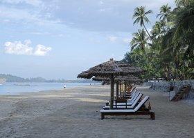 myanmar-hotel-ngapali-bay-001.jpg