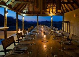 namibie-hotel-damaraland-camp-003.jpg