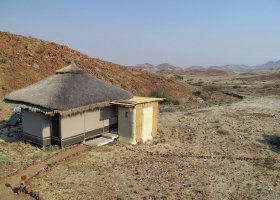 namibie-hotel-damaraland-camp-011.jpg