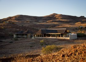 namibie-hotel-damaraland-camp-026.jpg