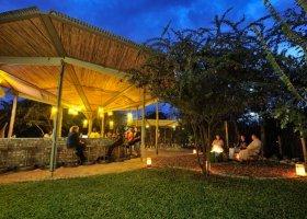 namibie-hotel-etosha-village-002.jpg