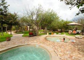 namibie-hotel-etosha-village-009.jpg