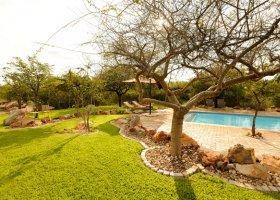 namibie-hotel-etosha-village-010.jpg