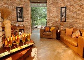 namibie-hotel-etosha-village-011.jpg