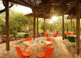 namibie-hotel-etosha-village-015.jpg