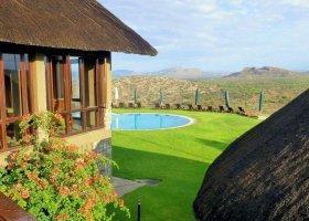 namibie-hotel-gocheganas-lodge-002.jpg