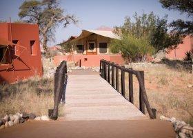 namibie-hotel-sossusvlei-lodge-009.jpg