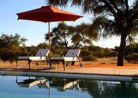 namibie-hotel-zebra-kalahari-lodge-002.jpg
