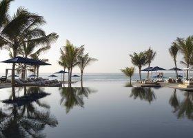 oman-hotel-al-baleed-resort-salalah-014.jpg
