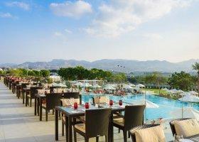 oman-hotel-crowne-plaza-muscat-006.jpg