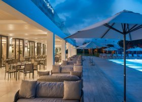 oman-hotel-crowne-plaza-muscat-021.jpg
