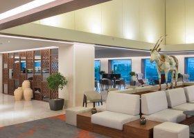 oman-hotel-crowne-plaza-muscat-022.jpg