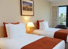 oman-hotel-crowne-plaza-muscat-030.jpg