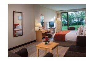 oman-hotel-crowne-plaza-muscat-031.jpg
