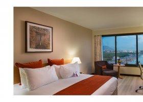 oman-hotel-crowne-plaza-muscat-032.jpg