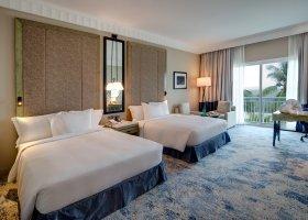 oman-hotel-hilton-salalah-resort-030.jpg