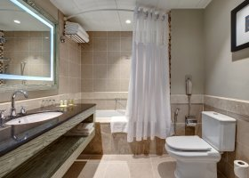 oman-hotel-hilton-salalah-resort-033.jpg