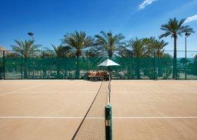 tenisové kurty
