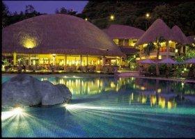polynesie-hotel-radisson-plaza-resort-003.jpg