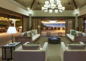 polynesie-hotel-st-regis-bora-bora-024.jpg