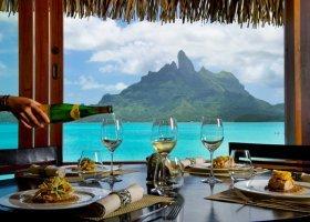 polynesie-hotel-st-regis-bora-bora-051.jpg