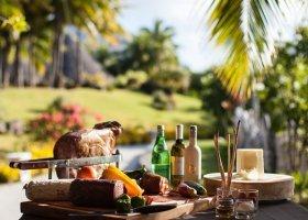 polynesie-hotel-st-regis-bora-bora-056.jpg