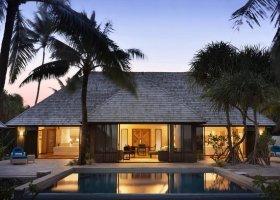 polynesie-hotel-st-regis-bora-bora-070.jpg
