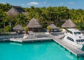 polynesie-hotel-st-regis-bora-bora-076.jpg