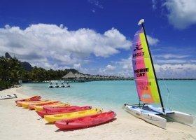 polynesie-hotel-st-regis-bora-bora-085.jpg