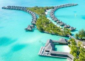 polynesie-hotel-st-regis-bora-bora-107.jpg