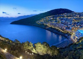recko-hotel-daios-cove-luxury-resort-villas-005.jpeg