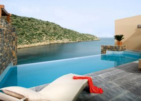 recko-hotel-daios-cove-luxury-resort-villas-009.jpg