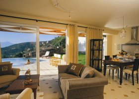 recko-hotel-elounda-gulf-villas-and-suites-005.jpg