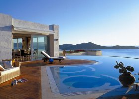 recko-hotel-elounda-gulf-villas-and-suites-007.jpg