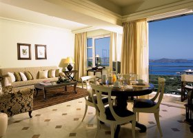 recko-hotel-elounda-gulf-villas-and-suites-035.jpg