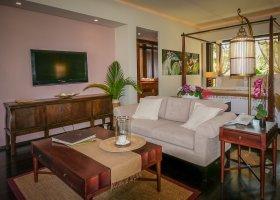 seychely-hotel-dhevatara-beach-hotel-spa-praslin-067.jpg