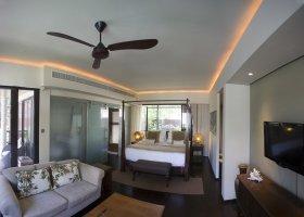 seychely-hotel-dhevatara-beach-hotel-spa-praslin-071.jpg