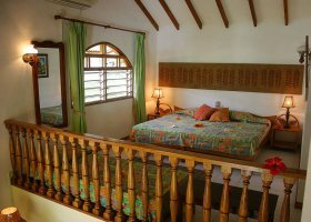 seychely-hotel-romance-bungalows-002.jpg