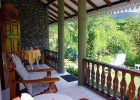 seychely-hotel-romance-bungalows-003.jpg