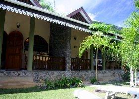 seychely-hotel-romance-bungalows-005.jpg