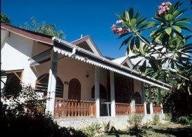 seychely-hotel-romance-bungalows-006.jpg