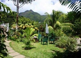 seychely-hotel-romance-bungalows-007.jpg