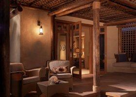 sir-bani-yas-island-hotel-al-yamm-villa-resort-028.jpg